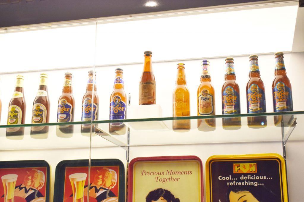 歴代のタイガービールの瓶の数々と世界で2本しかないレア瓶