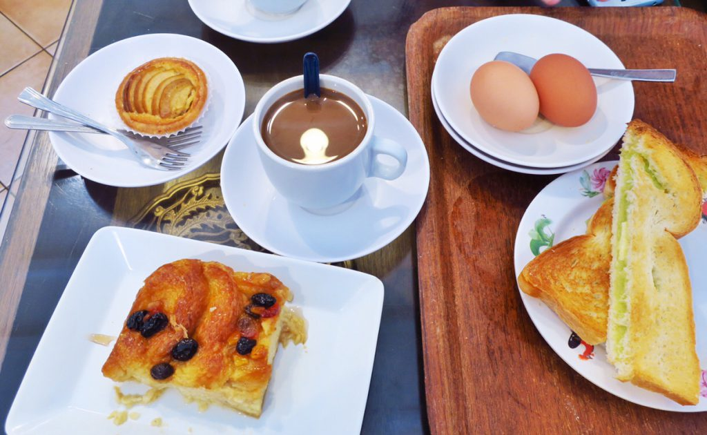 ドンポカフェ初訪問時の朝食