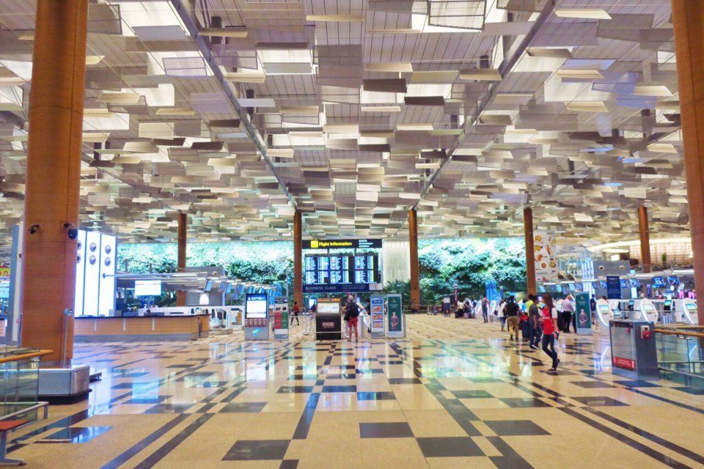 チャンギ空港第3ターミナル入口(中)