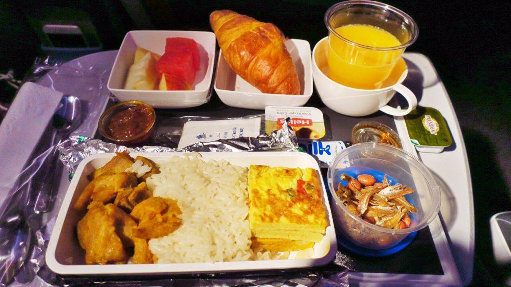 シンガポール航空機内食ブックザクック 朝食限定メニュー ナシレマとフライドチキン