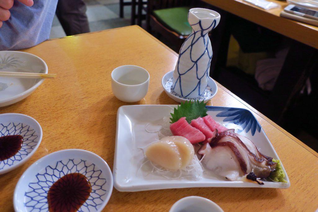 大都会 2本目の日本酒とお刺身