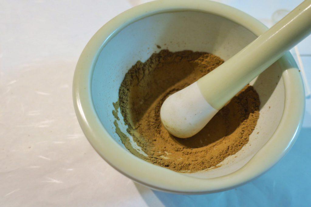 お香の調合に使うすり鉢