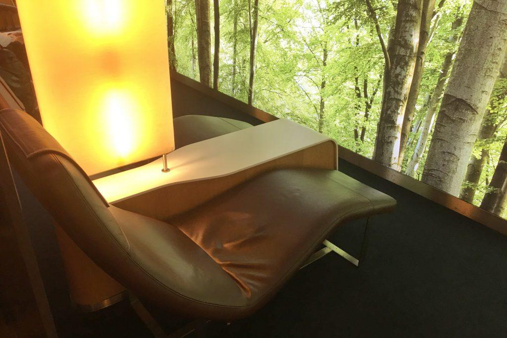 LOT Senator Lounge relax space