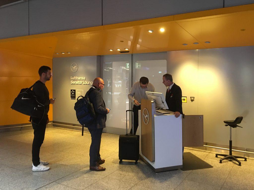 Lufthansa Senator Lounge entrance