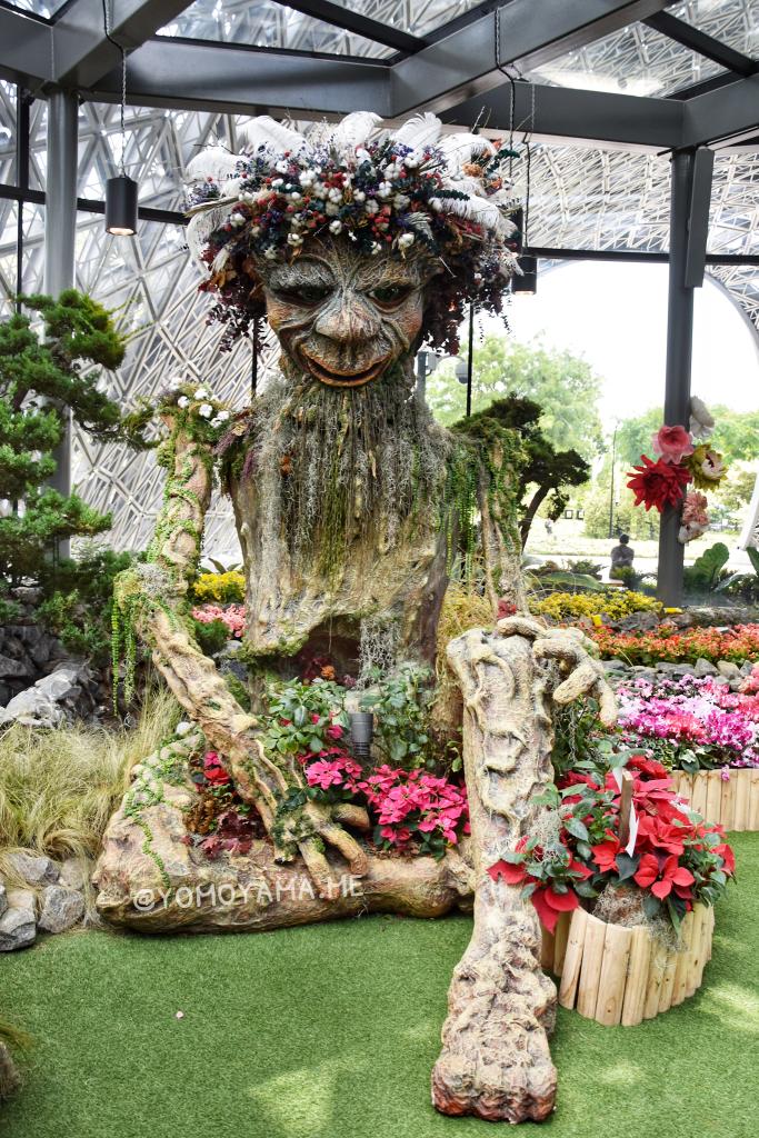 フローラル・ファンタジーの大きなトロール(Floral Fantasy Float)