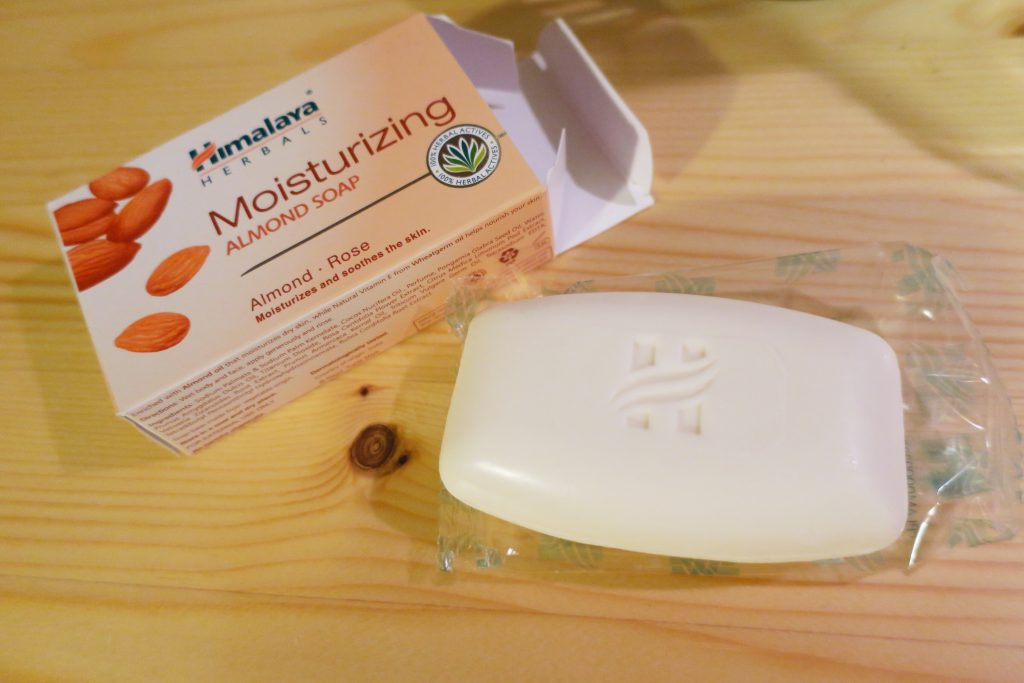 Himalaya Almond soap ヒマラヤ アーモンドソープ