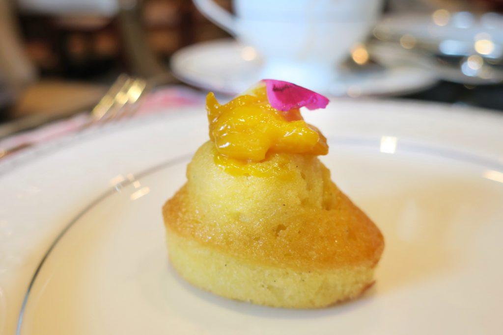 シンガポール・リージェントホテル アフタヌーンティー パイナップルケーキ