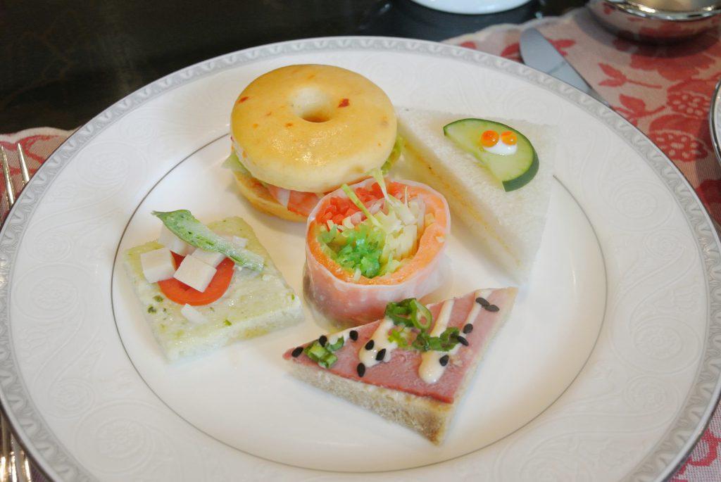シンガポール・リージェントホテルの平日限定アフタヌーンティー フィンガーサンドイッチ5種