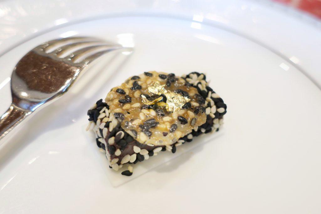 シンガポール・リージェントホテル アフタヌーンティー セサミチョコレート