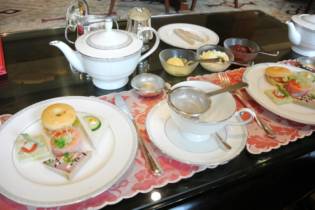 シンガポール・リージェントホテルの平日限定アフタヌーンティー テーブルセット
