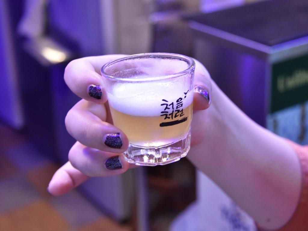 ニュートンフードセンターのOn Tapの試飲グラス