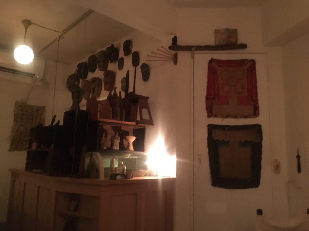 小さな考古博物館のような店内