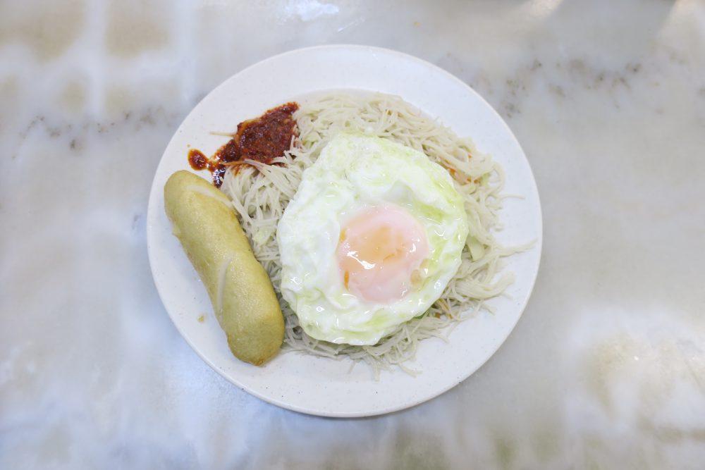 【シンガポール】YY Kafei Dian の裏メニュー⁉ 朝限定の絶品ビーフン