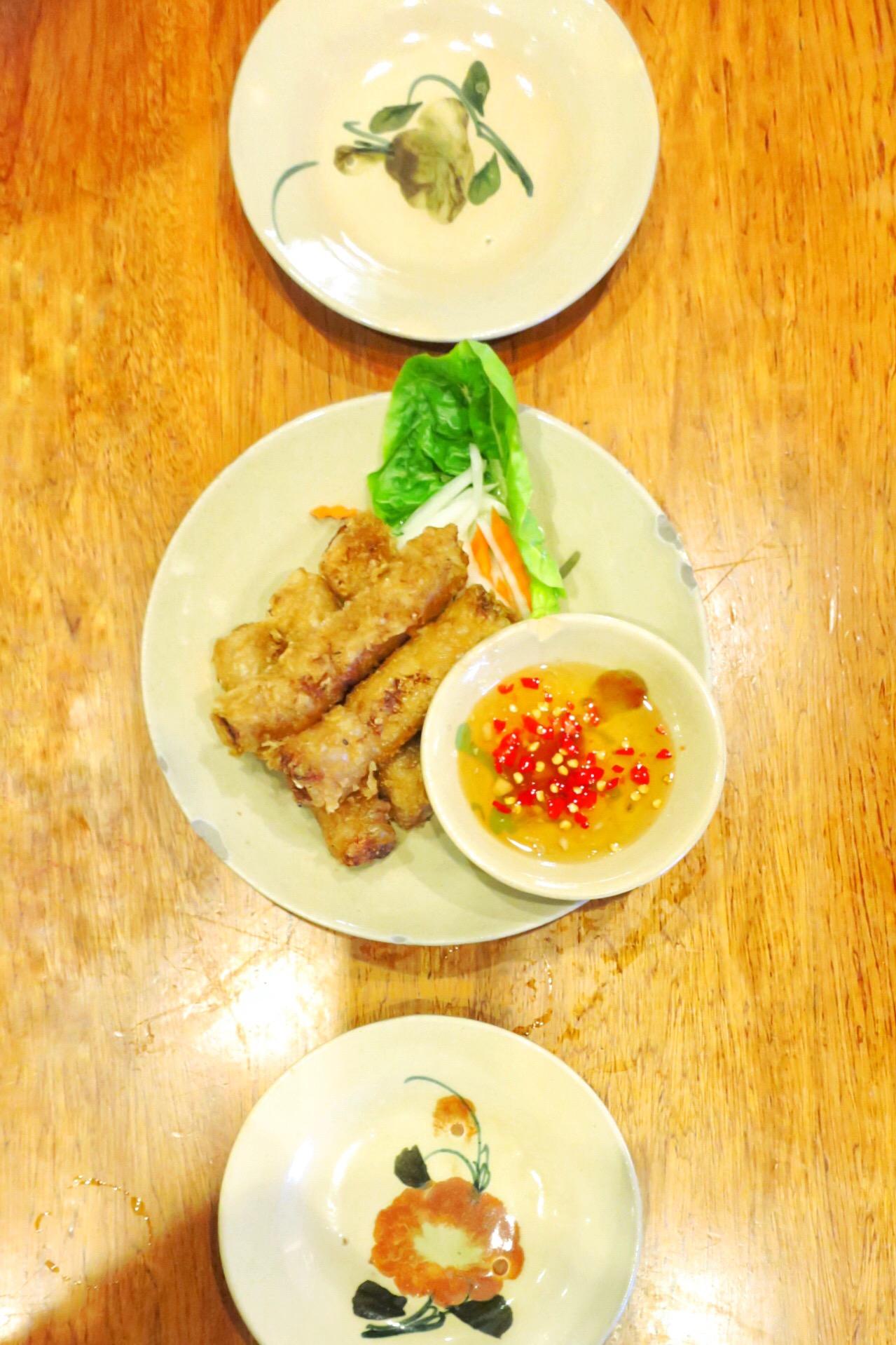【シンガポール】揚げ春巻きと麺料理が◎!ベトナム料理店 Moc Quan